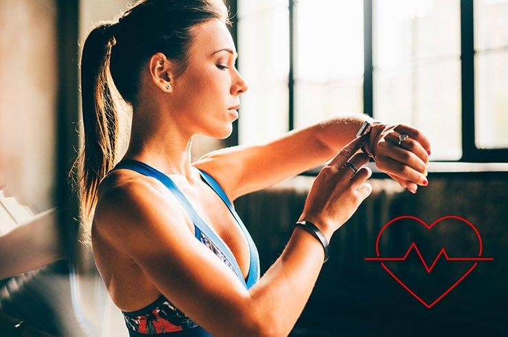 Пульс после приседаний и во время тренировки: каким должен быть и как измерить