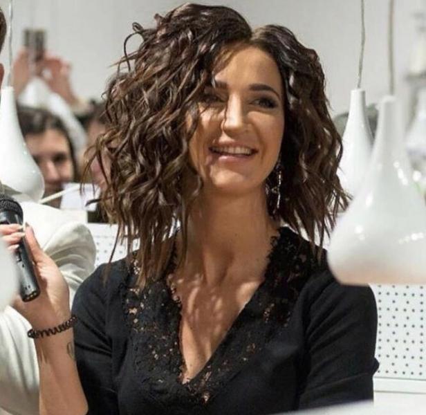 Худшие причёски Ольги Бузовой: от«доширака» до«фонтана» наголове
