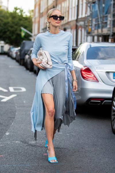 Модные приёмы богатых женщин: 8 оттенков водежде, которые делают образ дорогим