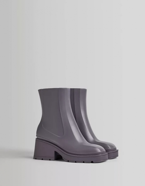 Не калоши: 10 вариантов модной резиновой обуви длядождливой погоды