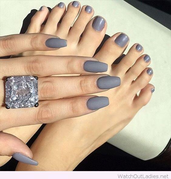 Серый — это нескучно! 50 вариантов модного маникюра всерых тонах