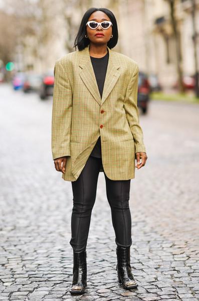 Стилист назвала 5 главных ошибок соверсайз-пиджаками — никогда так неделай!