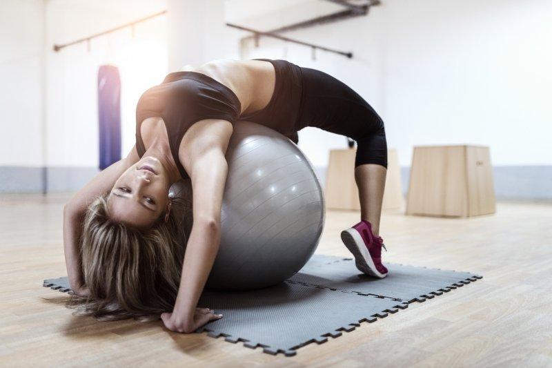 5 популярных фитнес-упражнений, опасных для здоровья