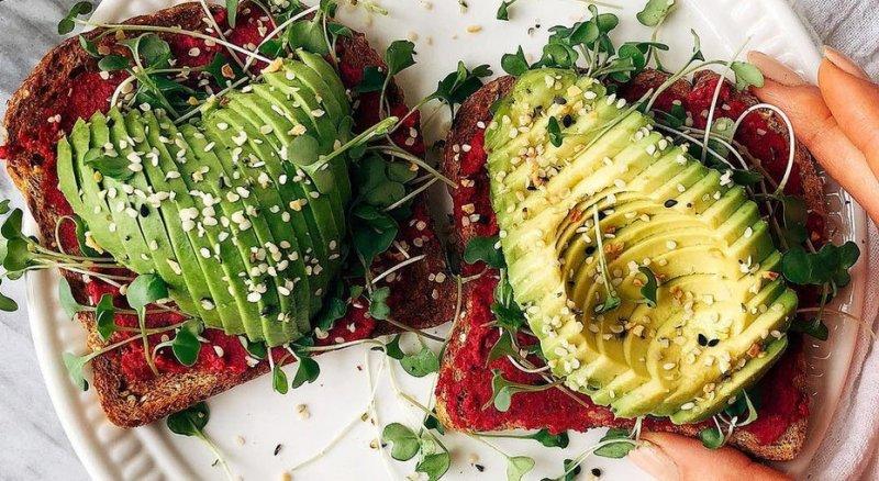 Не слишком диетично: 5 продуктов, вкоторых калорий больше, чем кажется