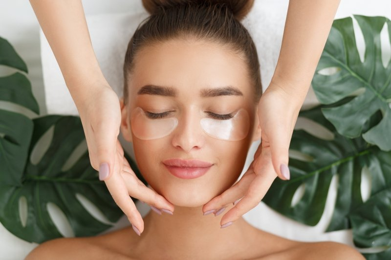 Вау-эффект: 8 процедур, которые моментально преображают лицо