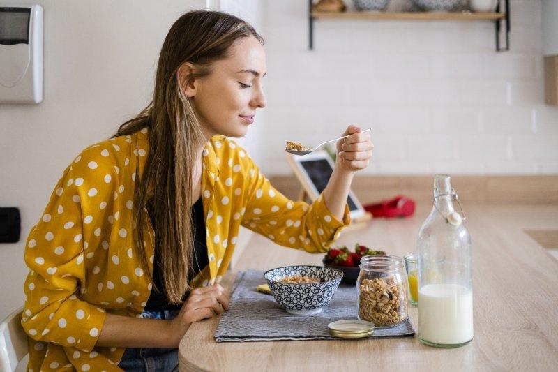 Зачем нужно тщательно пережевывать пищу